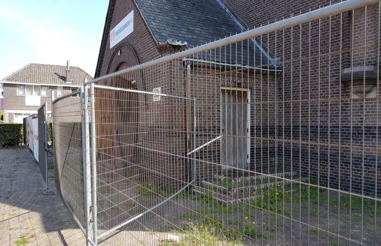 """De Egbertuskerk in Almelo had opknapbeurt nodig: """"Er was gevaar voor vallende dakplaten"""""""