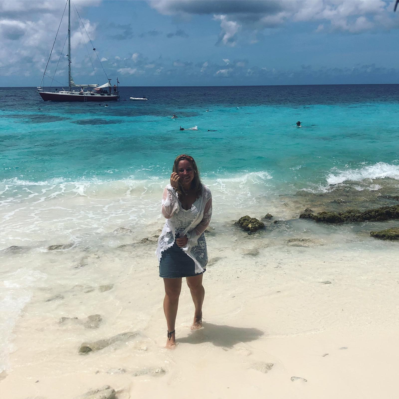 """Stagelopen op Bonaire in coronatijd: """"Als ik nog een jaar in Nederland moest blijven was ik niet gelukkig geworden"""""""